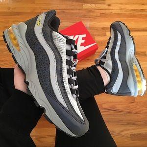 Nike Air Max 95 Women's Sneakers